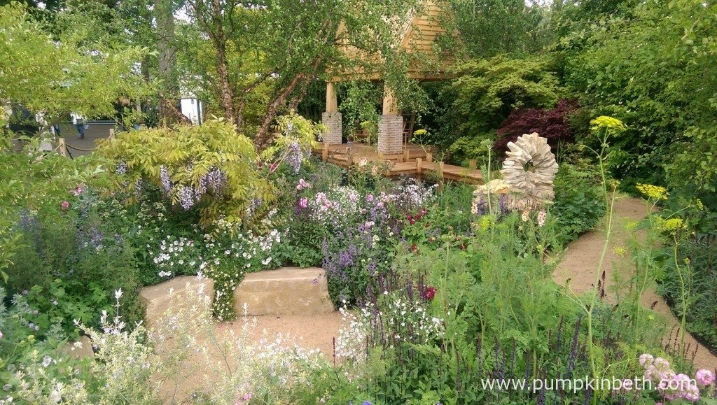 The M&G Garden was designed by Jo Thompson and built by S H Landscapes. This garden had a somewhat romantic, relaxing feel which I enjoyed.