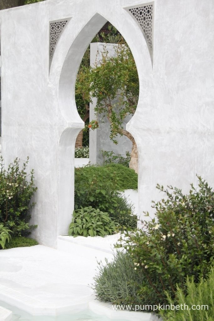 The Beauty of Islam with Al Barari Firm Management LLC was designed by Kamelia Bin Zaal. The Garden was built by The Outdoor Room.