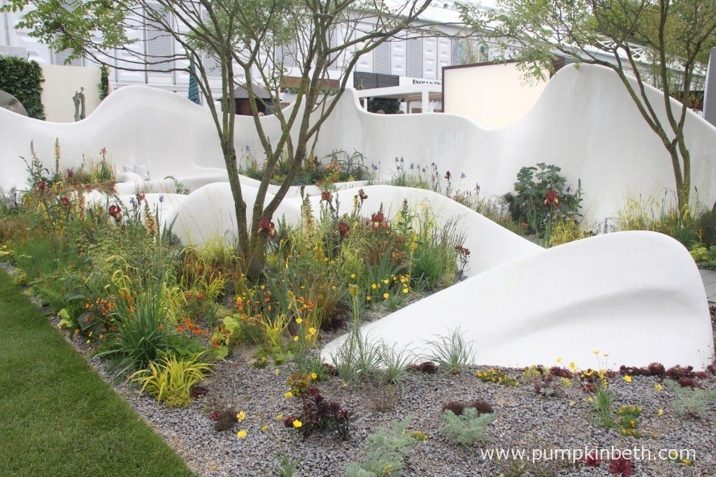 The Pure Land Foundation Garden was designed by Fernando Gonzalez Design, built by The Garden Builders and sponsored by Pure Land Foundation.
