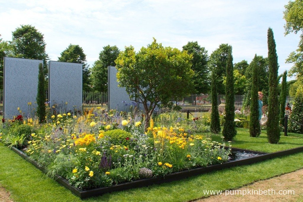 The Amnesty International: Magna Carta 800 Garden was designed by Frederic Whyte to celebrate the history of human rights and the 800 year anniversary since the signing of the Magna Carta.