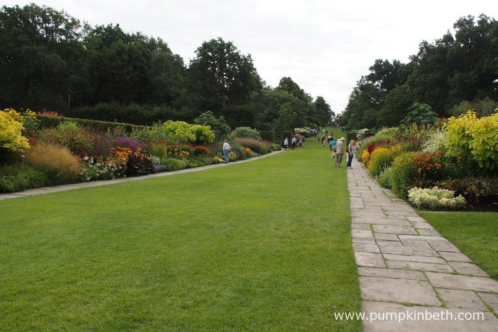 RHS Garden Wisley in Surrey is opening for free on Friday 15th April 2016, as part of the National Open Gardens Day. The RHS offer free visits for schools to their gardens.