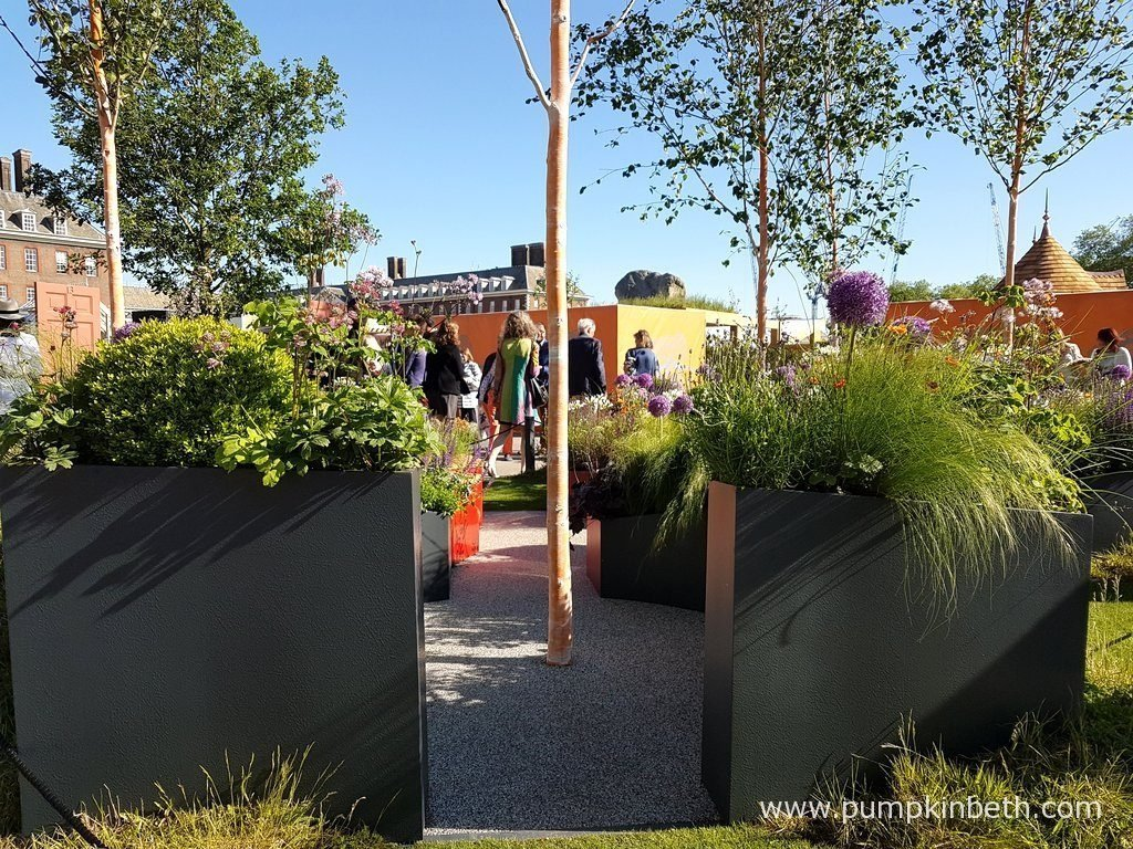 The Sir Simon Milton Foundation Urban Connections Garden was sponsored by the Victoria Business Improvement District. This Fresh Garden was designed by Lee Bestall & Paul Robinson, and built by Jon Housley. The RHS judges awarded The Sir Simon Milton Foundation Urban Connections Garden a Silver Medal, at The RHS Chelsea Flower Show 2016.