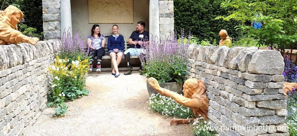 The Meningitis Now Futures Garden was designed by John Everiss and built by Peter Gregory Landscapes, Andrew Loudon and Chilstone. The Meningitis Now Futures Garden celebrates 30 years of the charity Meningitis Now, the garden is inspired by the spirit, energy and positivity of the young people whose lives have been changed by Meningitis.