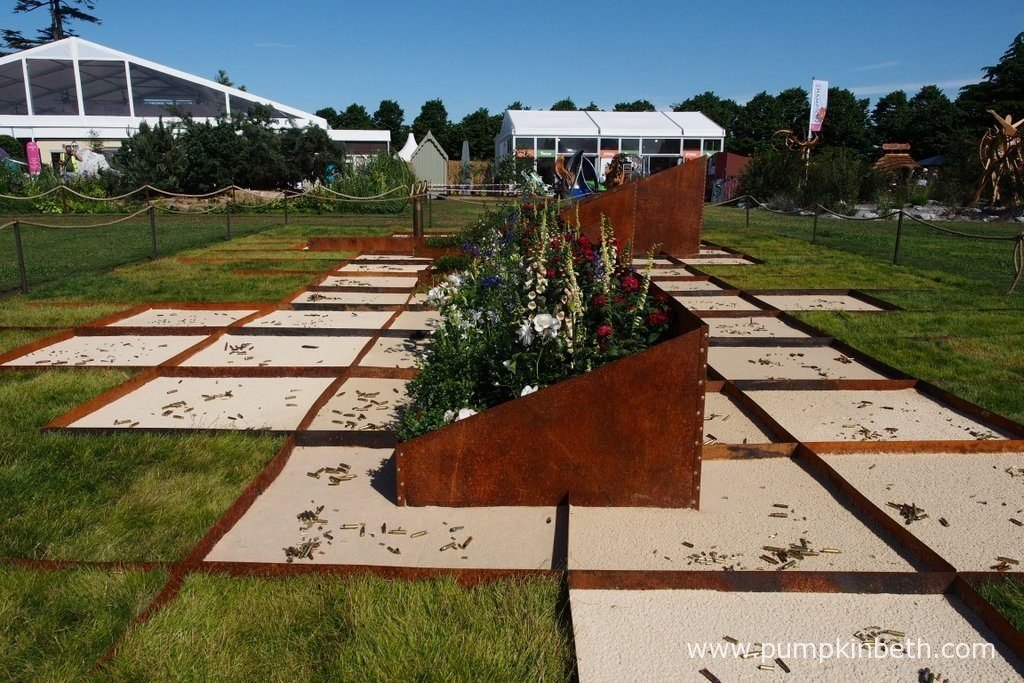 Peacemaker was designed by Katerina Rafaj, and built by Rafaj Design, for the RHS Hampton Court Palace Flower Show 2016.