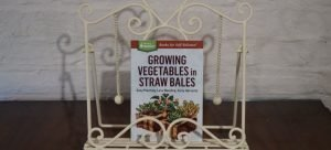 Book Review – Growing Vegetables in Straw Bales