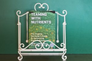 Book Review – Teaming with Nutrients